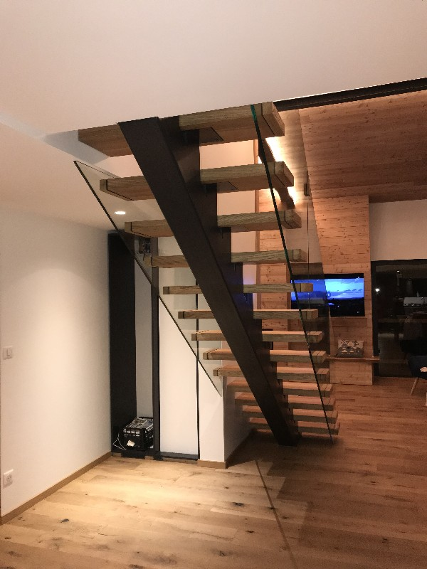 À la recherche d'un garde-corps en verre pour sécuriser votre terrasse ou votre balcon ? Voici quelques conseils à suivre afin de profiter au maximum de cet espace dédié à votre détente