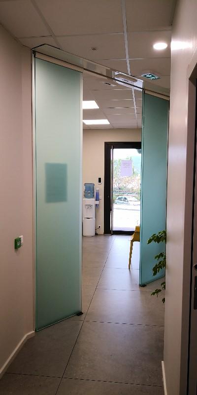 Fabricant de portes automatiques en verre à Digne et dans le 04